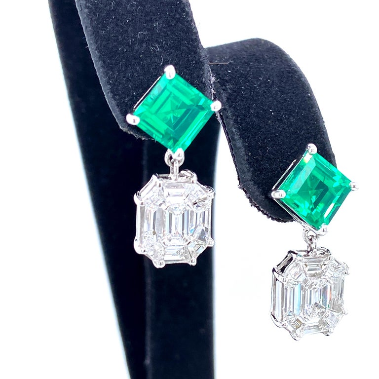 Contemporary 3.45 Carat Emerald and White Diamond Gold Earrings For Sale