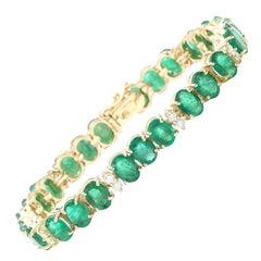 34.68 Carat Emerald 18 Karat Solid Yellow Gold Diamond Bracelet