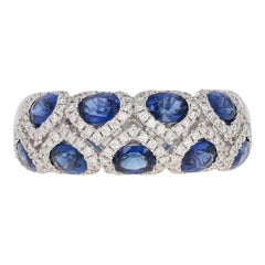 3.48 Carat Oval Sapphire and Diamond Spark Ring, 18 Karat Gold
