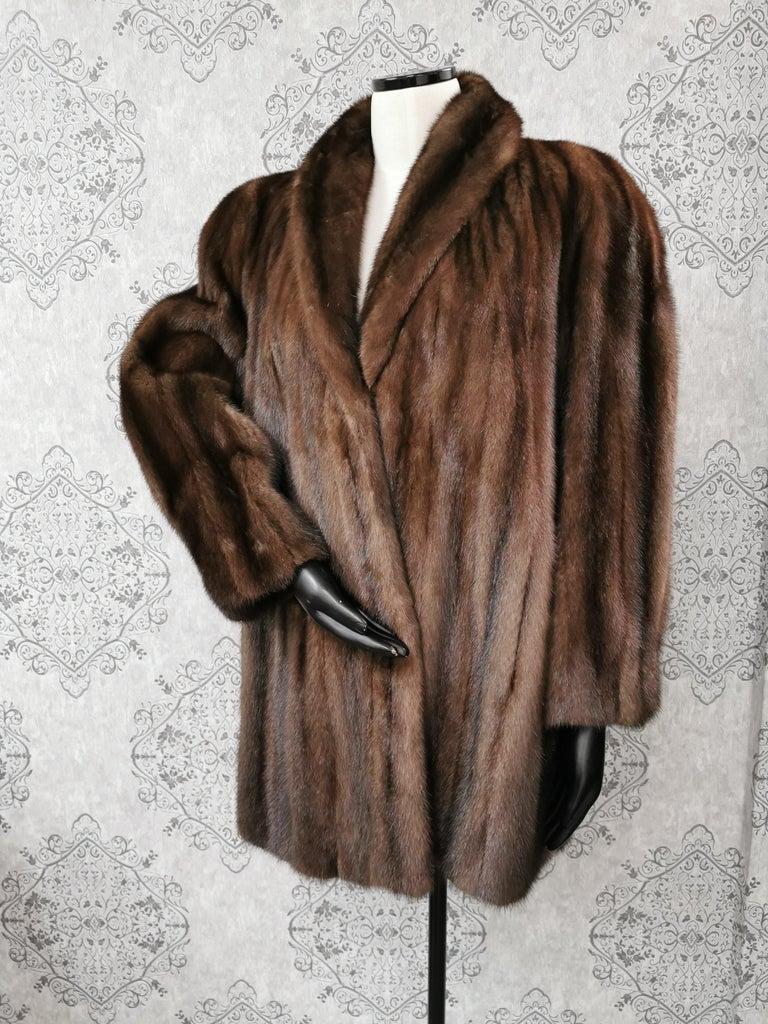 Donna Karan New York for Berger Christensen Demi-Buff Mink Fur Coat (Size 16-18) In Excellent Condition For Sale In Montreal, Quebec