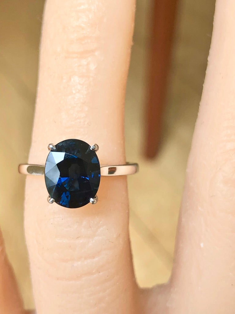 3.80 Carat Solitaire Engagement Sapphire Platinum Ring For Sale 5