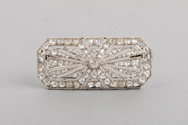 3.5 Carat Gold Platinum and Diamonds French Art Deco Brooch For Sale 6