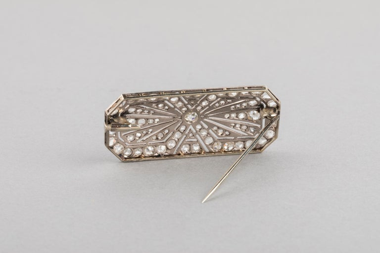 3.5 Carat Gold Platinum and Diamonds French Art Deco Brooch For Sale 7