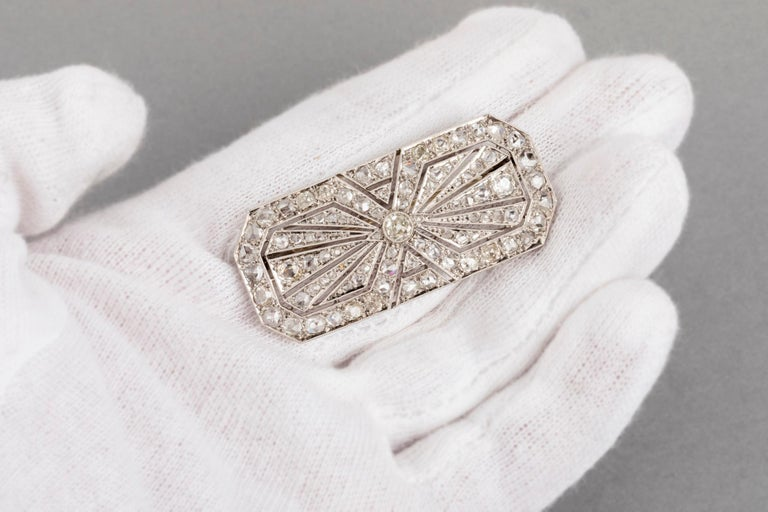 3.5 Carat Gold Platinum and Diamonds French Art Deco Brooch For Sale 9
