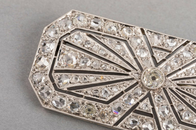Women's 3.5 Carat Gold Platinum and Diamonds French Art Deco Brooch For Sale