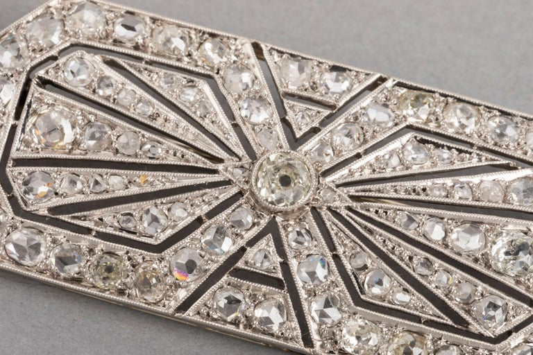 3.5 Carat Gold Platinum and Diamonds French Art Deco Brooch For Sale 1