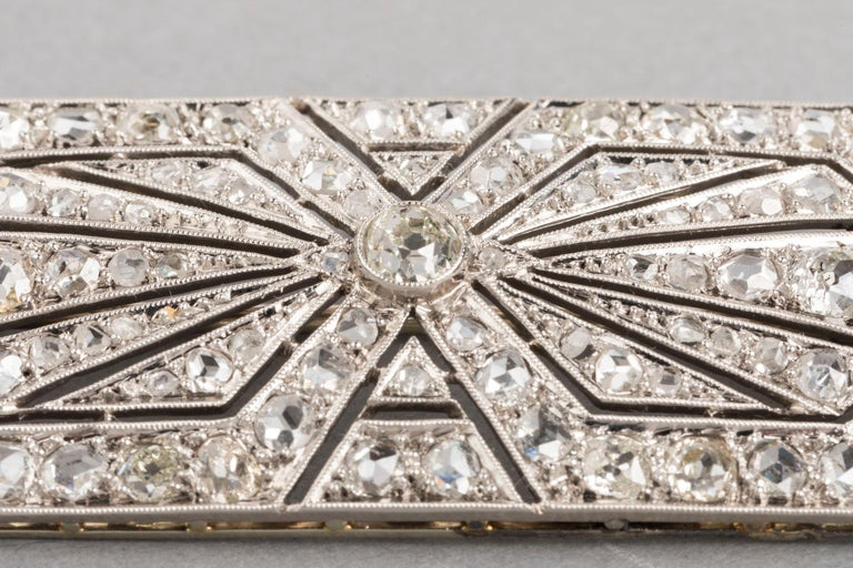 3.5 Carat Gold Platinum and Diamonds French Art Deco Brooch For Sale 3