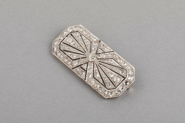 3.5 Carat Gold Platinum and Diamonds French Art Deco Brooch For Sale 5