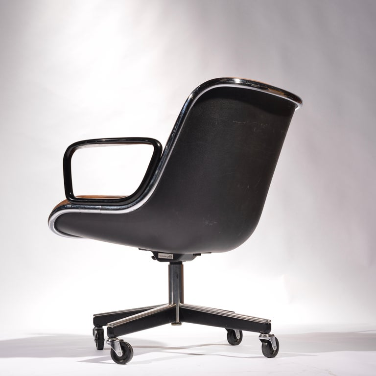 35 Charles Pollock Executive Desk Chairs for Knoll in Cognac Leather For Sale 3
