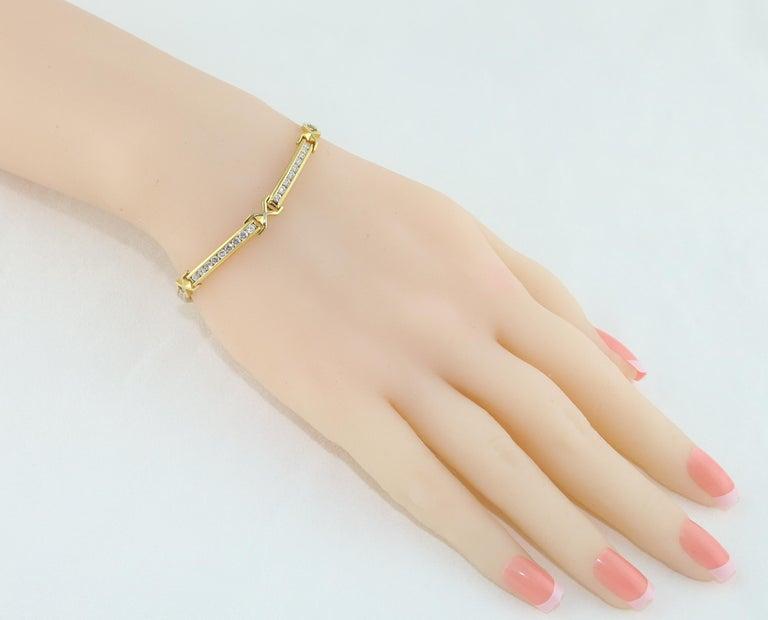 Contemporary 3.50 Carat Diamond Yellow Gold Tennis Bracelet For Sale