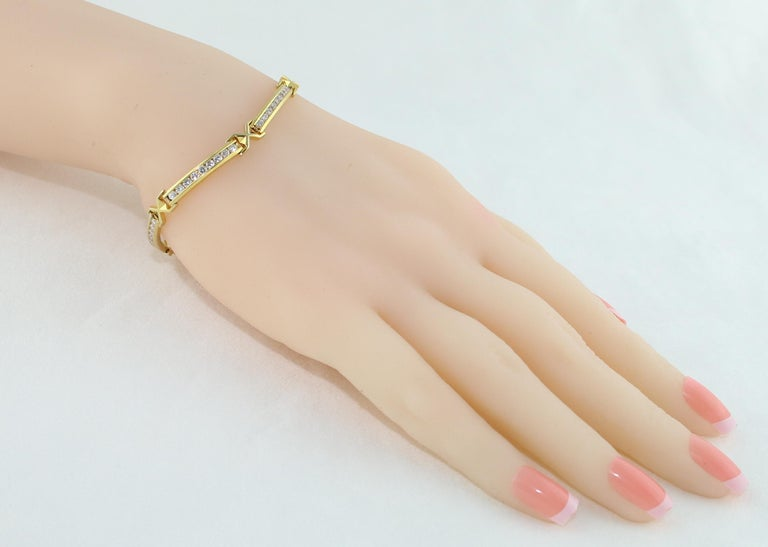 Round Cut 3.50 Carat Diamond Yellow Gold Tennis Bracelet For Sale