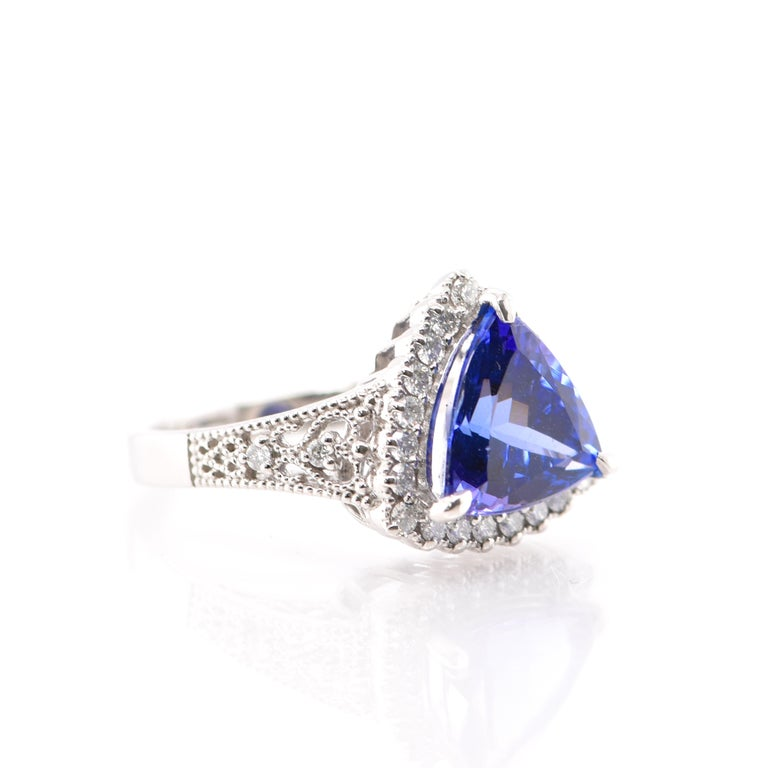 3.52 Carat Trillion Cut Tanzanite and Diamond Cocktail Ring Set in Platinum In New Condition For Sale In Tokyo, JP