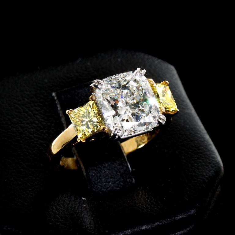 3.55 Carat Cushion Cut Diamond and Fancy Intense Yellow Princess Sides Ring GIA In Excellent Condition For Sale In New York, NY