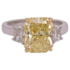 3.55 Carat Platinum Radiant Cut GIA Natural Fancy Yellow Canary Diamond Ring