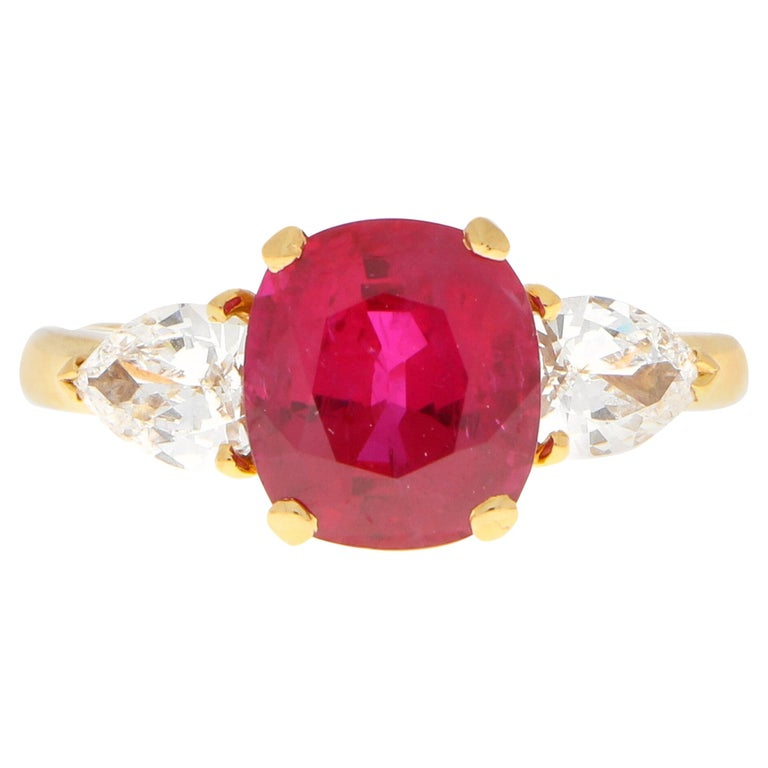 3.58 Carat Burmese Red Ruby and Diamond Ring Set in 18 Karat Yellow Gold For Sale