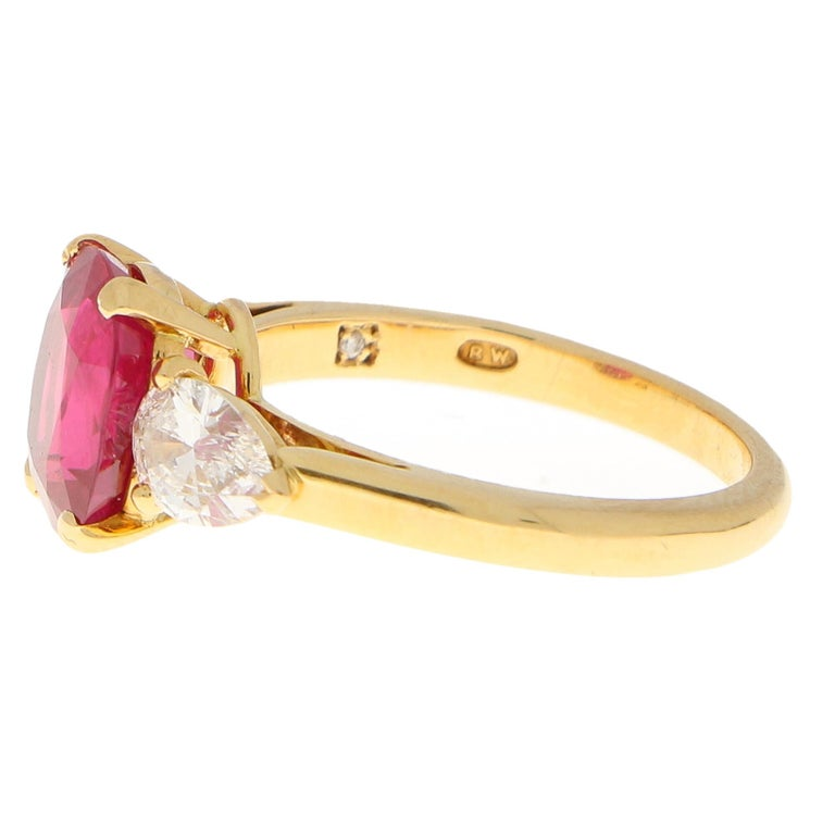 Modern 3.58 Carat Burmese Red Ruby and Diamond Ring Set in 18 Karat Yellow Gold For Sale