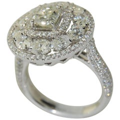 3.60 Carat Stunning White Diamond Ring in 18 Karat Gold