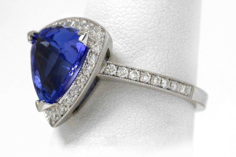 Trillion Cut 3.60 Carat Tanzanite Triangle Deco Engagement Cocktail Ring Certified For Sale