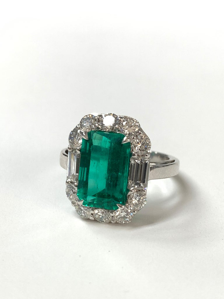3.63 Carat Columbian Emerald and Diamond Ring in 18K White Gold For Sale 4