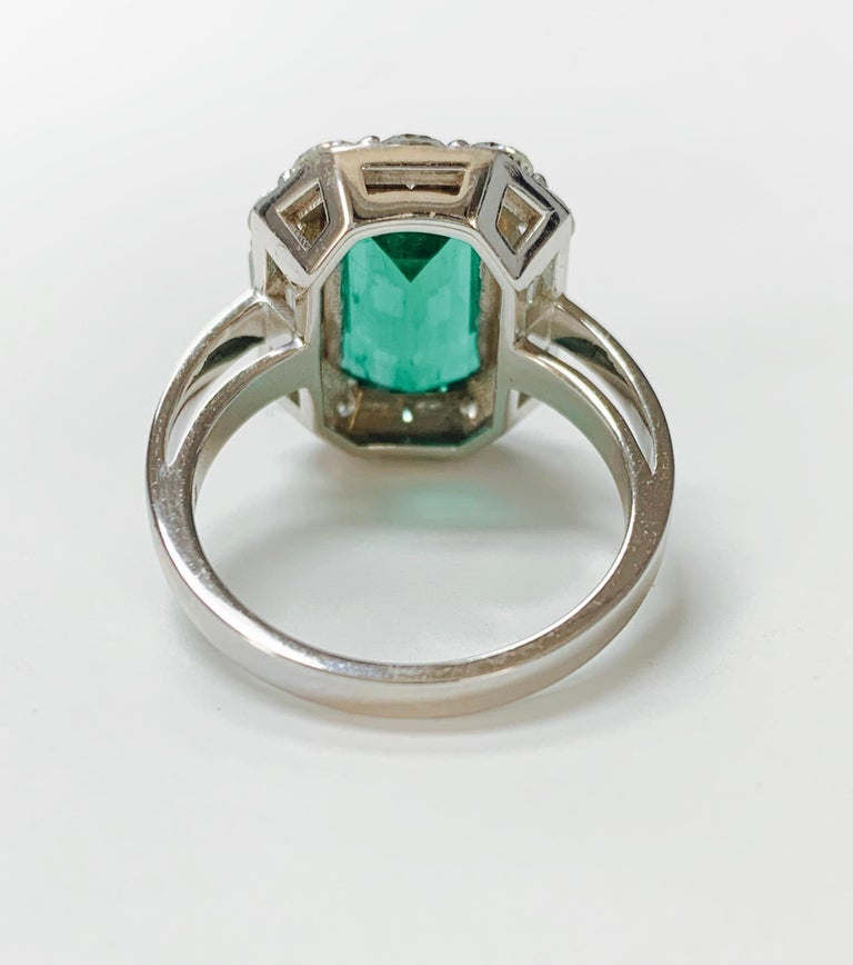 Women's or Men's 3.63 Carat Columbian Emerald and Diamond Ring in 18K White Gold For Sale