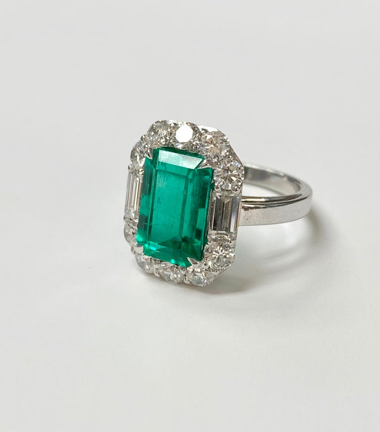 3.63 Carat Columbian Emerald and Diamond Ring in 18K White Gold For Sale 3