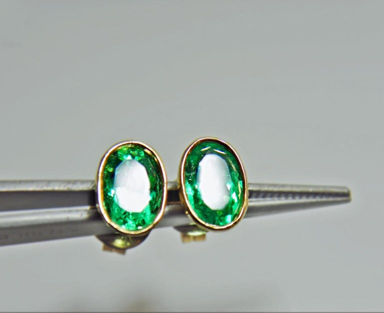Contemporary 3.63 Carat Natural Colombian Emerald Oval Stud Earrings 18 Karat Yellow Gold For Sale