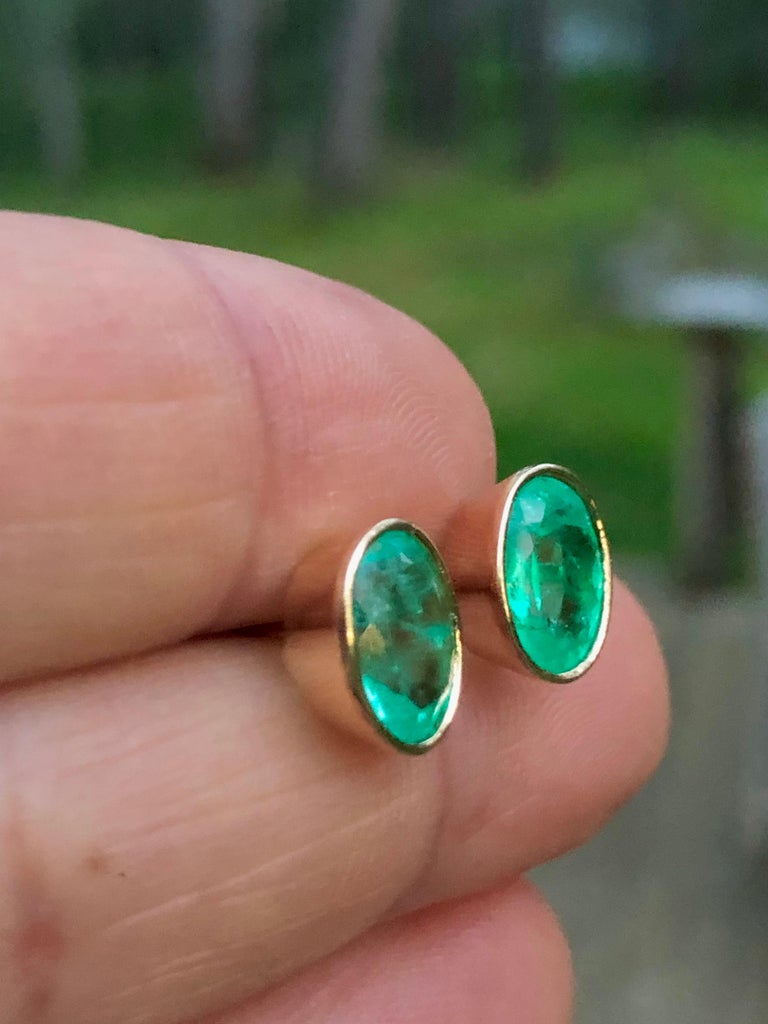 Oval Cut 3.63 Carat Natural Colombian Emerald Oval Stud Earrings 18 Karat Yellow Gold For Sale