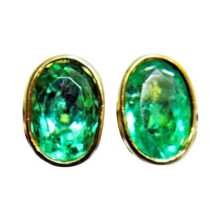 3.63 Carat Natural Colombian Emerald Oval Stud Earrings 18 Karat Yellow Gold For Sale