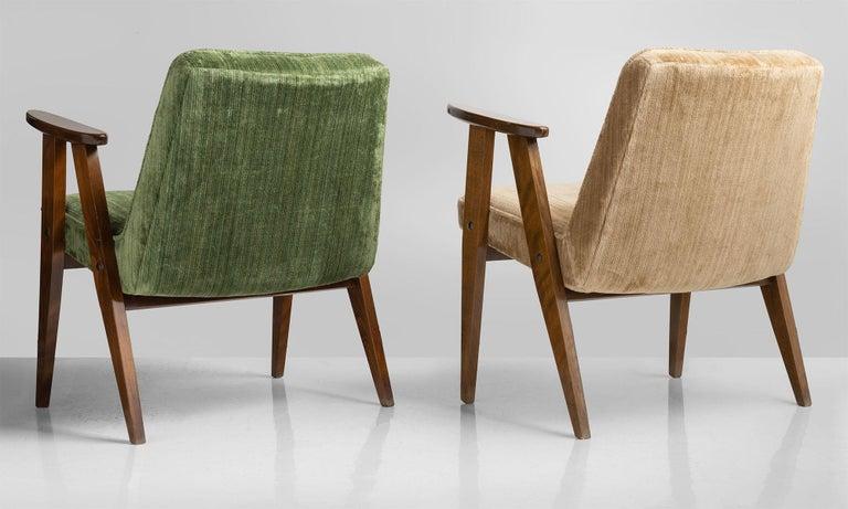 Modern 366 Armchairs by Jozef Chierowski, Poland, circa 1960 For Sale