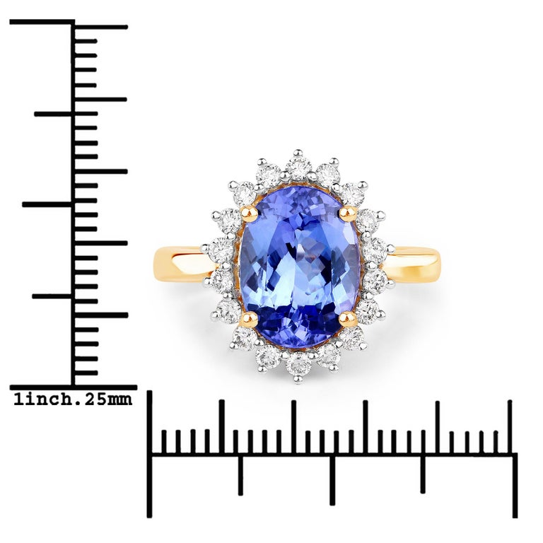 3.67 Carat Genuine Tanzanite and White Diamond 14 Karat Yellow Gold Ring In New Condition For Sale In Great Neck, NY