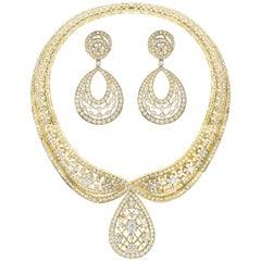 37 Carat Diamond Necklace and Earrings 185 Grams 18 Karat Gold Bridal Suite