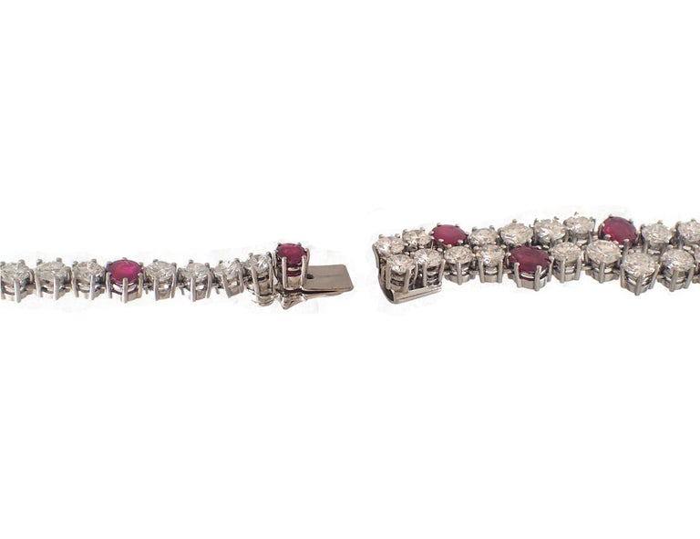 37 Carat Ruby and Diamond Necklace in Platinum For Sale 2