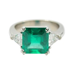 3.70 Carat Emerald & Diamond Ring in Platinum with Trillion Cut Sides