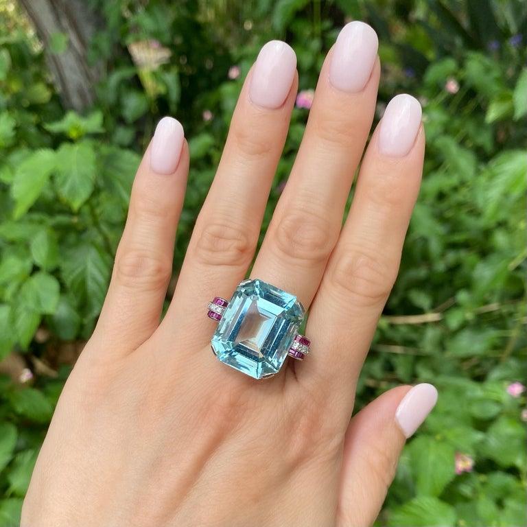 Art Deco 37.5 Carat Aquamarine Ruby and Diamond Platinum Ring Estate Fine Jewelry For Sale