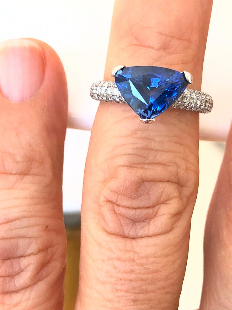 3.76 Carat Sapphire Diamond Engagement Ring 18 Karat White Gold For Sale 2