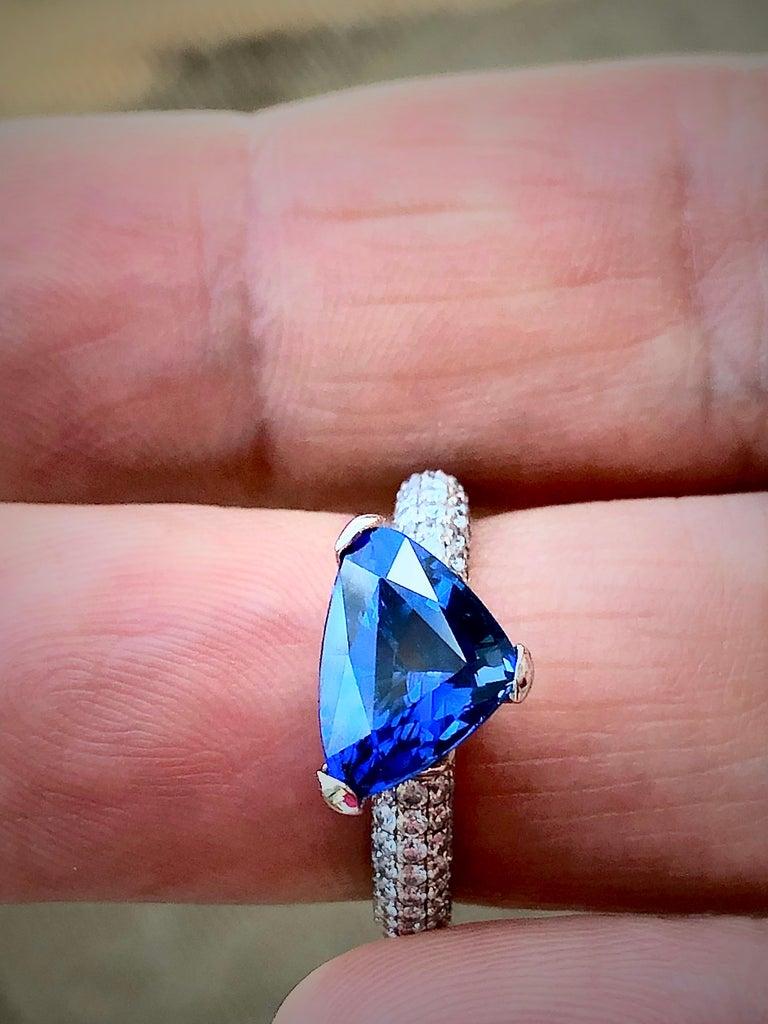 3.76 Carat Sapphire Diamond Engagement Ring 18 Karat White Gold For Sale 4