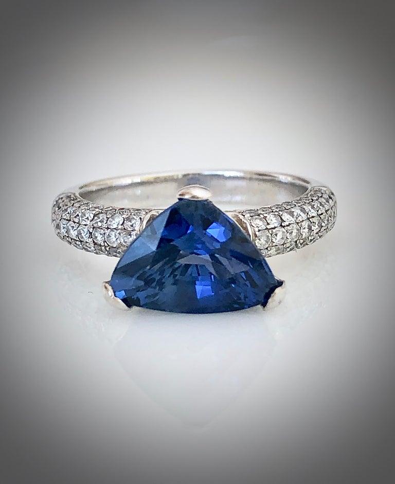 Women's 3.76 Carat Sapphire Diamond Engagement Ring 18 Karat White Gold For Sale