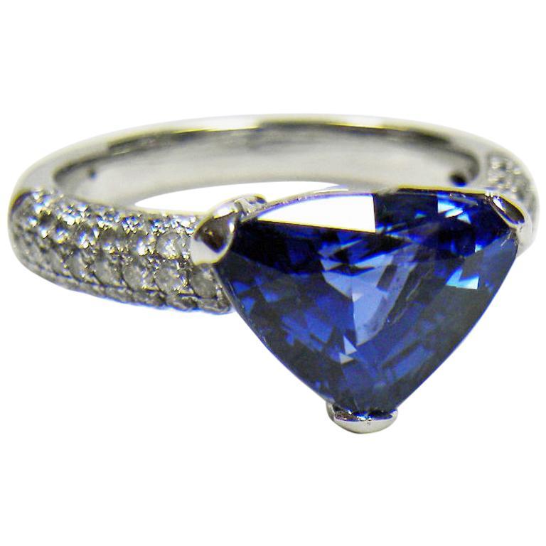 3.76 Carat Sapphire Diamond Engagement Ring 18 Karat White Gold For Sale 1