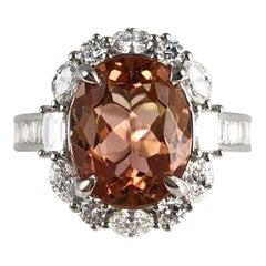 3.76 Karat Ovaler Kissenschliff Pfirsichfarbener Turmalin und Diamant Ring in 18 Karat Gold