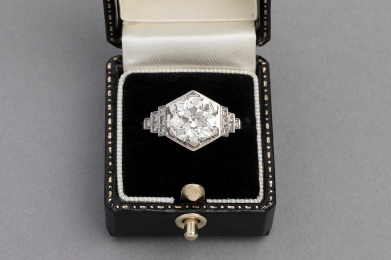 3.81 Carat French Art Deco Ring, Platinum and Diamonds In Good Condition For Sale In Saint-Ouen, FR