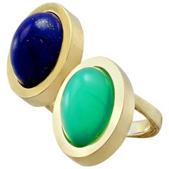 3.83 Carat Chrysoprase and 4.02 Carat Lapis Lazuli Yellow Gold Cocktail Ring