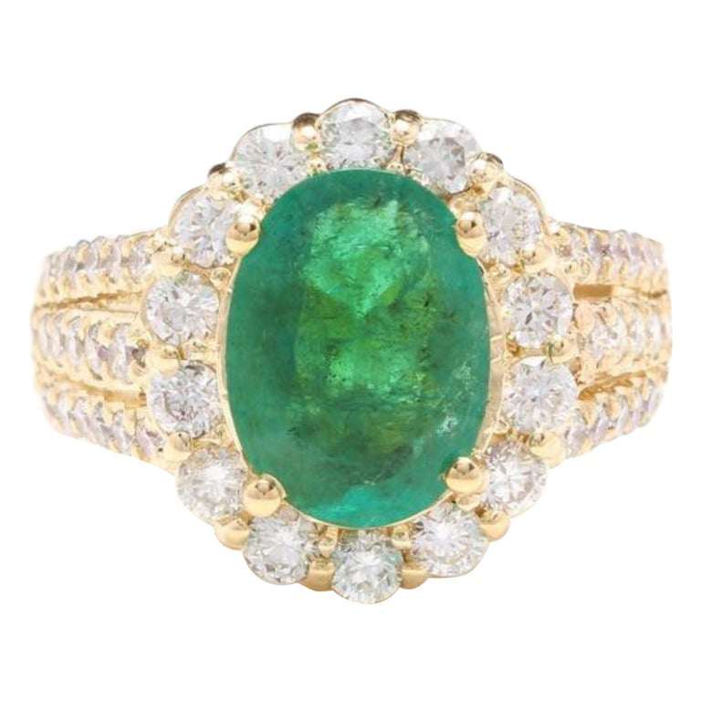 3.88 Carat Natural Emerald and Diamond 14 Karat Solid Yellow Gold Ring For Sale