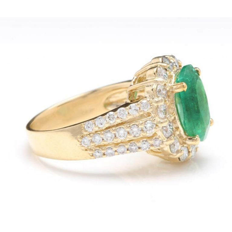 Emerald Cut 3.88 Carat Natural Emerald and Diamond 14 Karat Solid Yellow Gold Ring For Sale