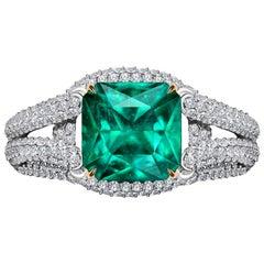 3,9 Carat Zambian Emerald Diamond 18 Karat White Gold Ring