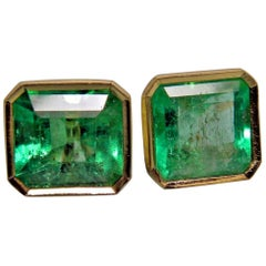 3.90 Carat Natural Green Colombian Emerald Stud Earrings 18 Karat Gold