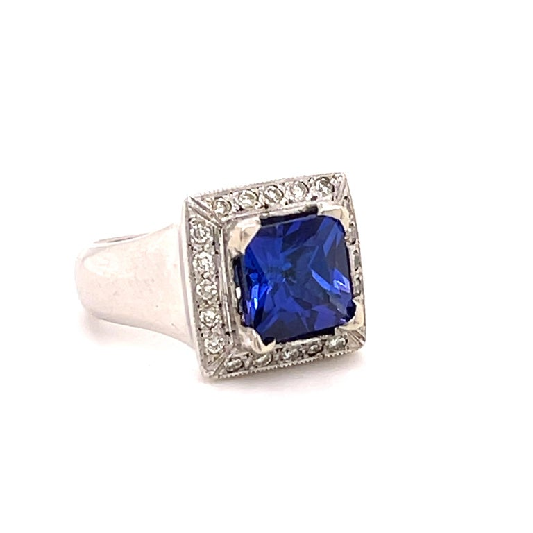 3.93 Carat Tanzanite and Diamond Gold Ring In New Condition For Sale In Tucson, AZ