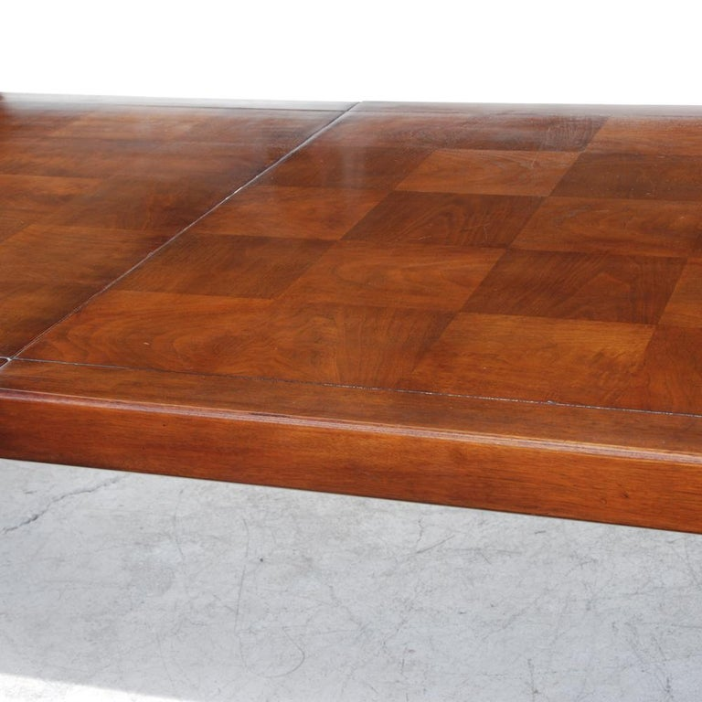 Henredon Mahogany Extendable Dining Table with Ming Legs For Sale 1
