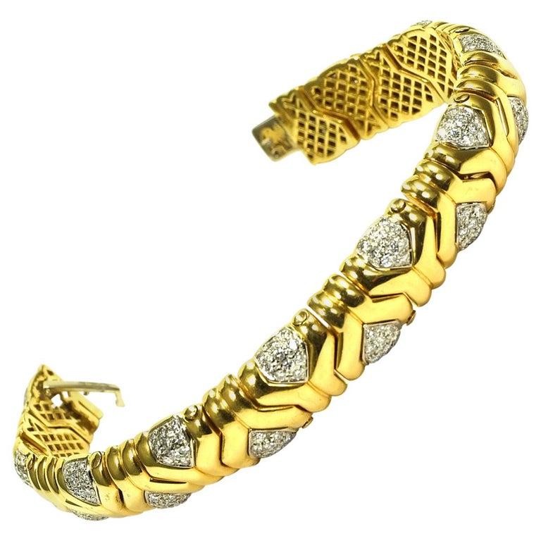 4 Carat Diamond 18 Karat Yellow Gold Fancy Link Bracelet For Sale