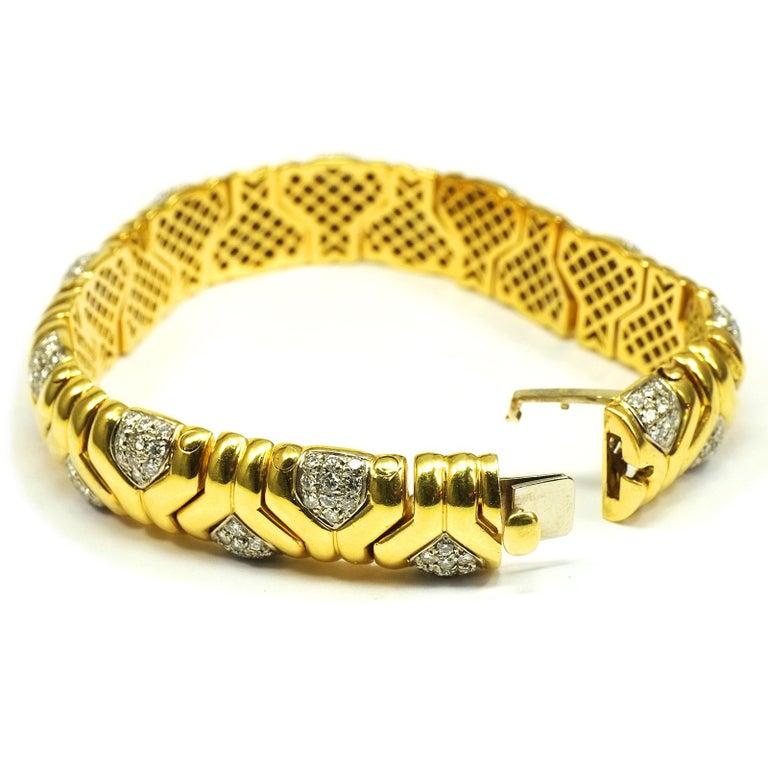 Women's 4 Carat Diamond 18 Karat Yellow Gold Fancy Link Bracelet For Sale