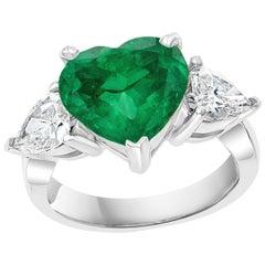 4 Carat Heart Shape Colombian Emerald & 1.3 Ct Diamond 18 Karat Gold Ring Estate